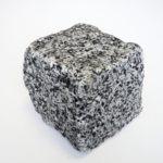 Брусчатка гранитная колотая Покостовского месторождения