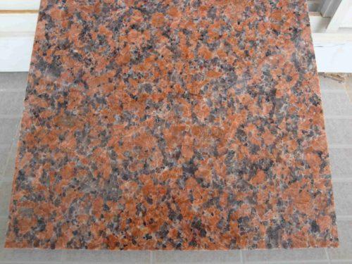 Гранитная плитка Марпл Ред G562 600×600×18 Полированный
