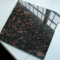 Гранитная плитка Тан Браун 305×305×10 Полированный