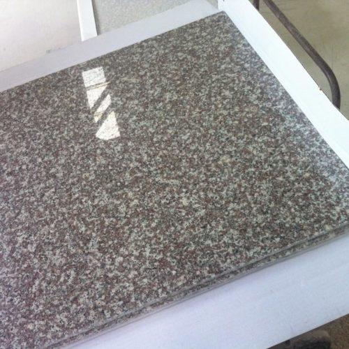 Гранитная плитка Бейнбрук Браун G664 305×305×10 Полированный